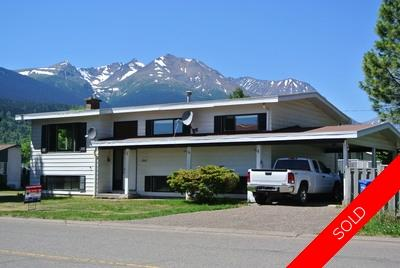 Downtown Smithers Real Estate for sale: 4 bedrooms upper level / 1 bedroom suite lower level 2,574 sq.ft.
